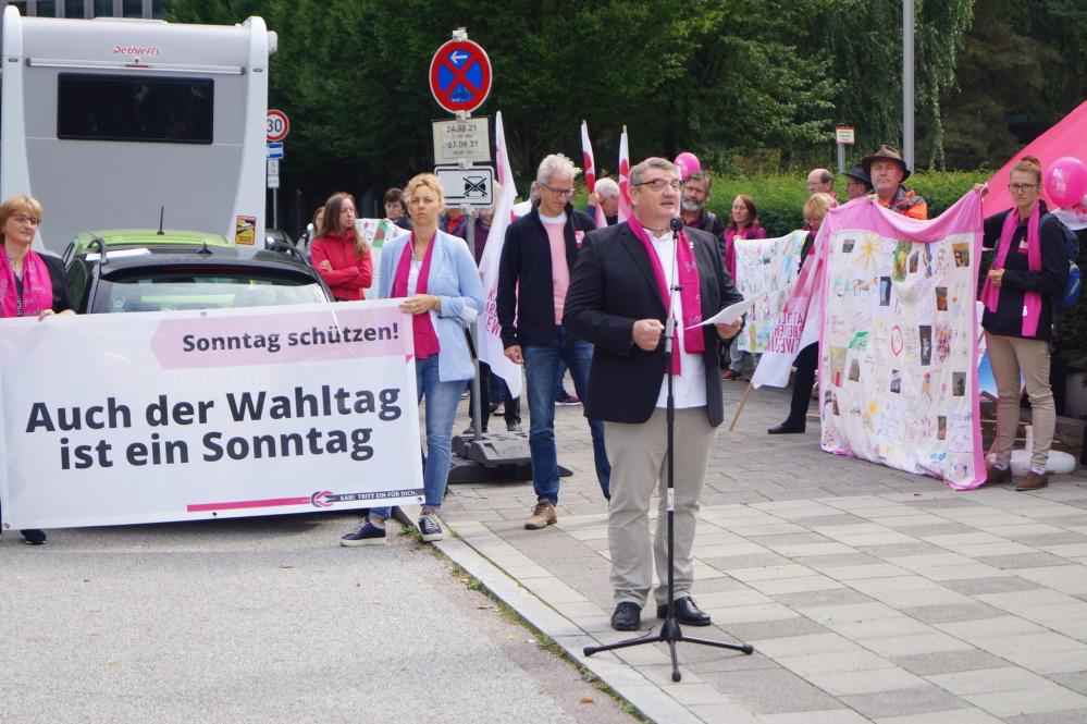 Christliche Verbände demonstrieren gegen Aufweichung des Sonntagsschutzes im CSU-Wahlprogramm